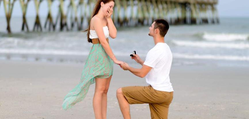 porque-o-noivo-fica-de-joelhos-pra-fazer-o-pedido-de-casamento-capa