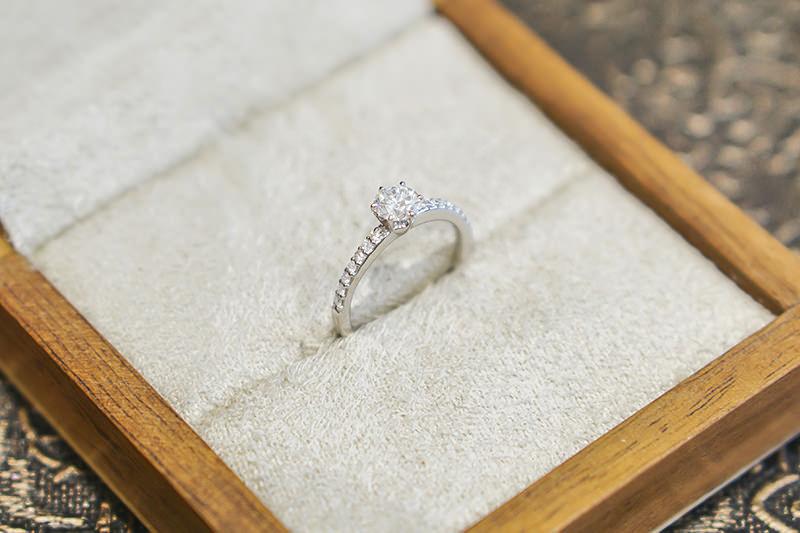 anel-de-noivado-de-diamante-solitaire