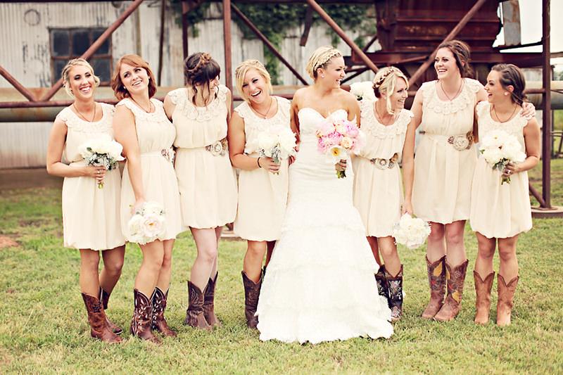 casamento-fazende-madrinhas-botas-country
