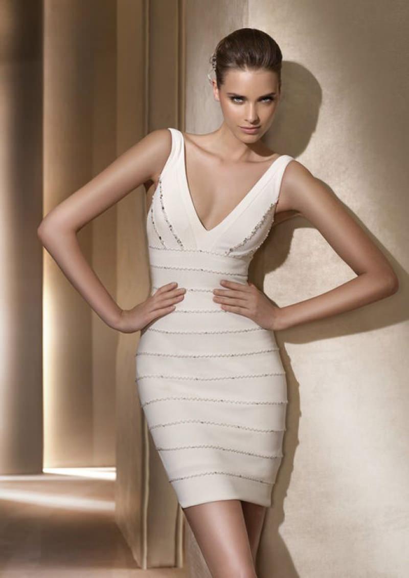 vestido-para-noiva-baixinha-decote