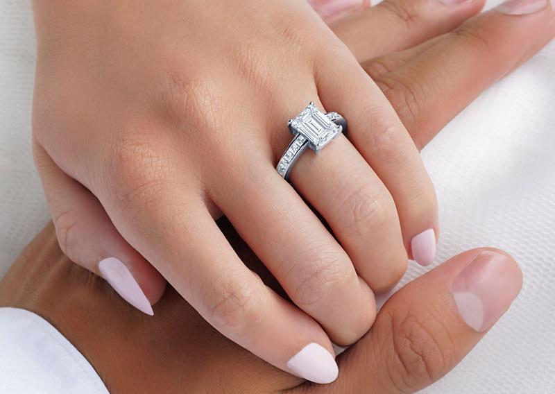 11-anel-de-noivado-diamante-central