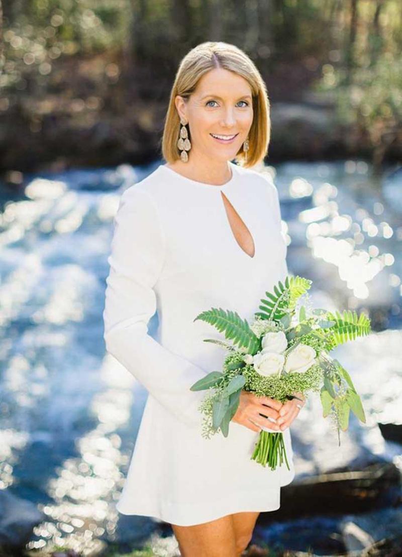 Vestido-noiva-casamento-civil-cartorio-branco-decote-gota