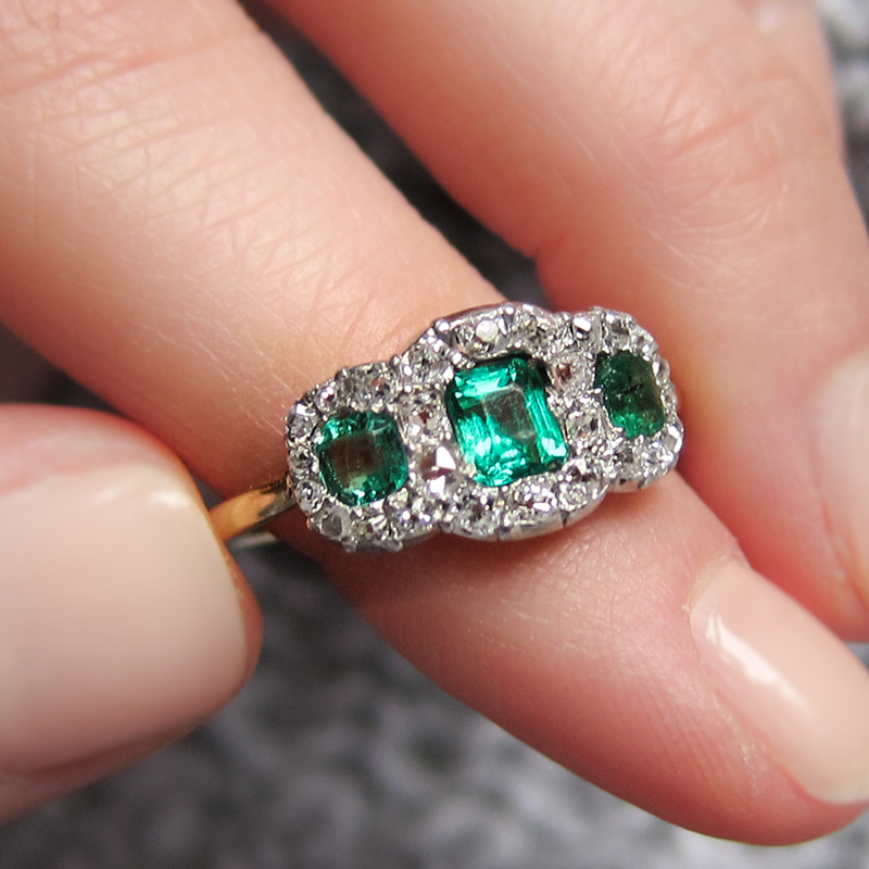 anel-de-noivado-esmeralda-erstwhile-jewelry