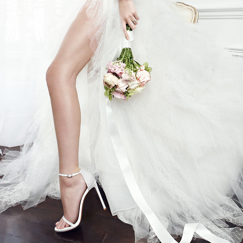 sandalia-branca-aberta-casamento-noiva