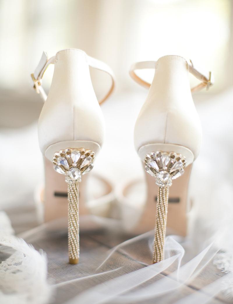 sandalia-branco-salto-alto-casamento
