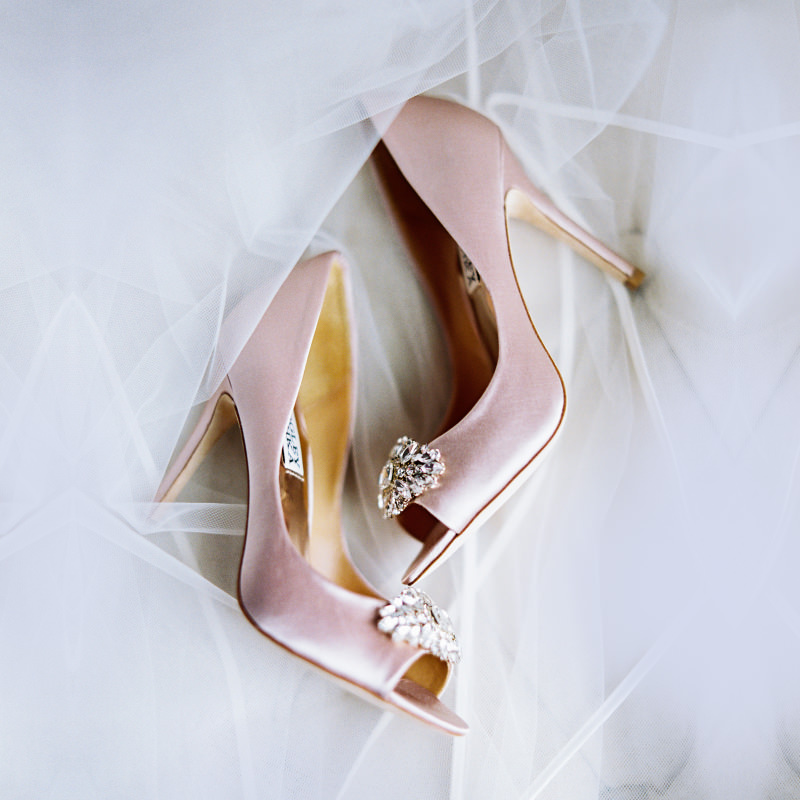 sandalia-para-casamento-noiva-elegante-jimmy-choo