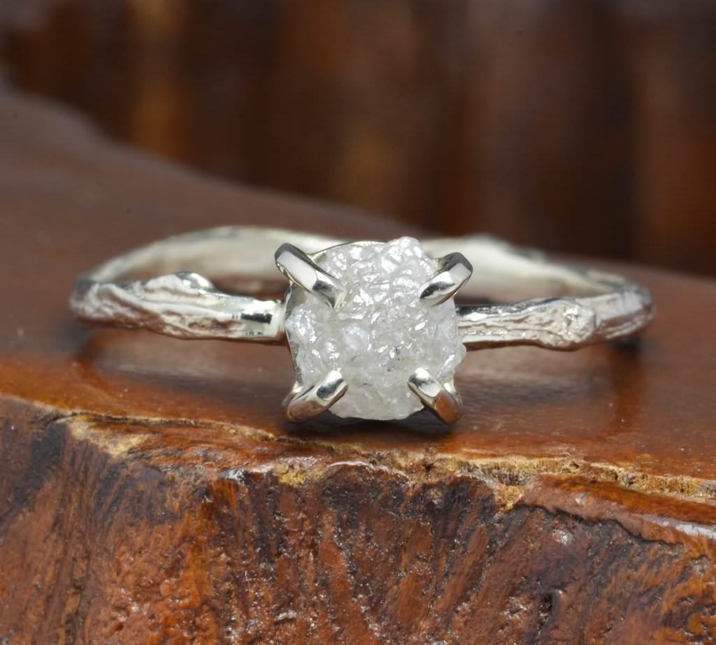 anel-de-noivado-diamante-bruto