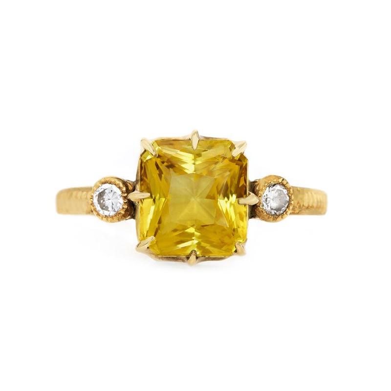 anel-de-noivado-safira-dourada