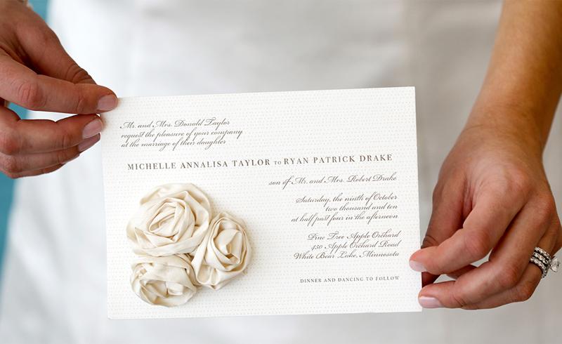19-convite-de-casamento-branco-com-flores