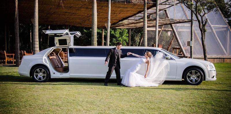como-planejar-seu-casamento-aluguel-de-carro-para-noiva-paris-vegas-limousine