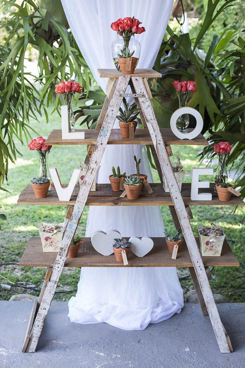 decoracao-rustica-de-casamento-com-escada