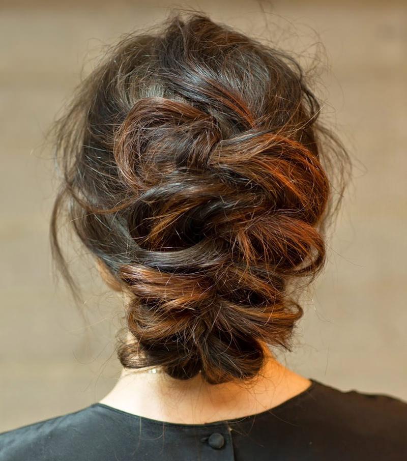 penteado-de-noiva-com-trancas-cabelos-morenos-22