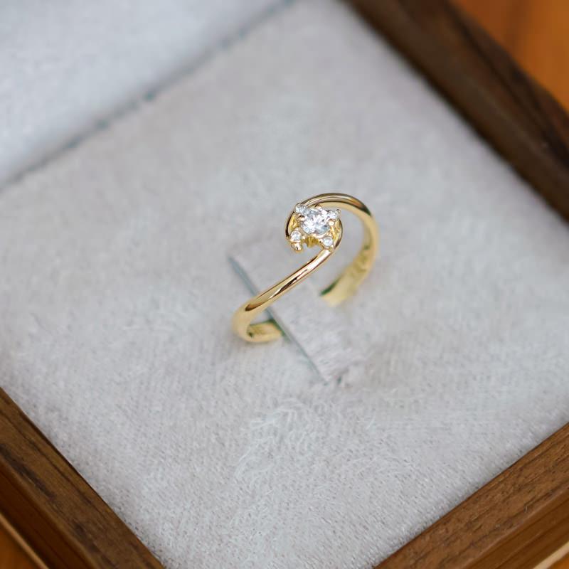 03-anel-de-noivado-minimalista-e-delicado