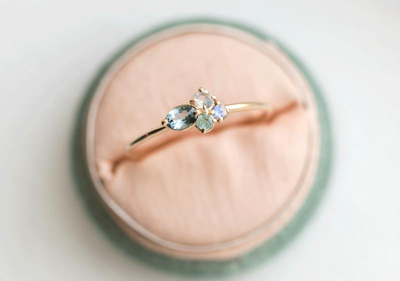 11-anel-de-noivado-com-pedras-coloridas