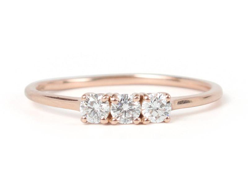 18-anel-de-noivado-minimalista-tres-pedras