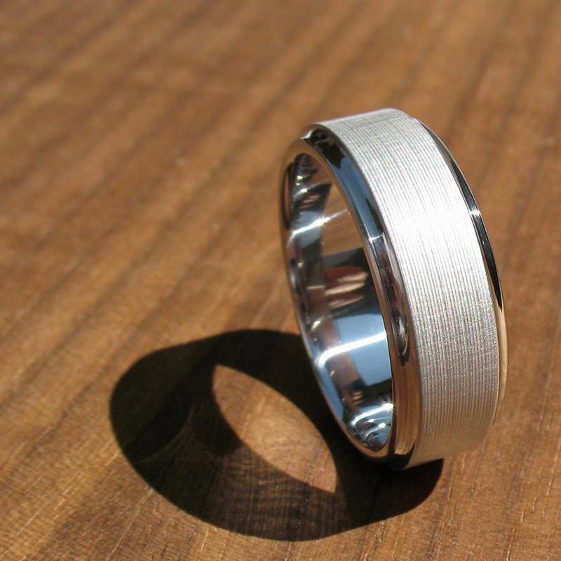 alianca-de-casamento-masculina-de-titanio