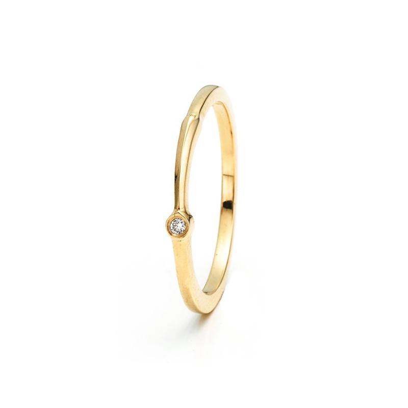 anel-de-noivado-aro-fino-com-diamante