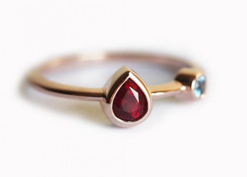 anel-de-noivado-delicado-com-rubi