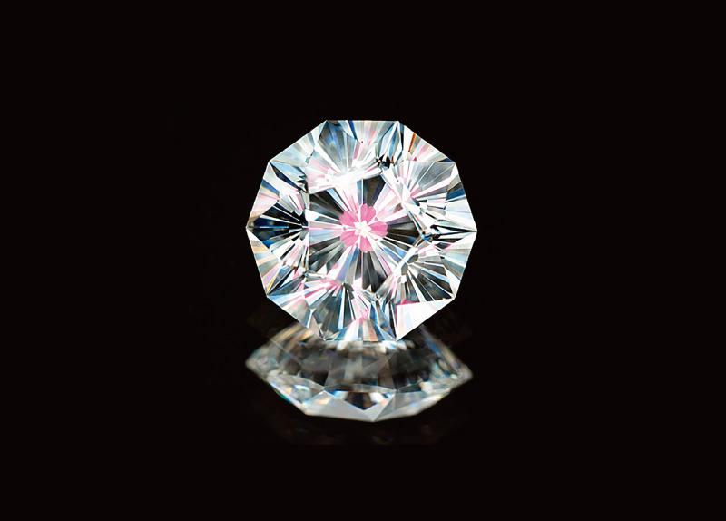 diamante-em-formato-de-flor-de-cerejeira