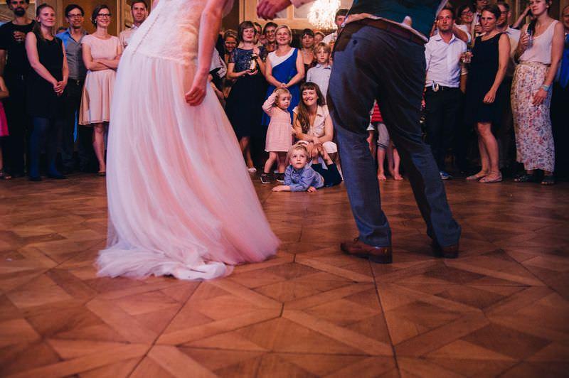 133-incriveis-fotos-de-casamento-que-parecem-obras-de-arte-olhar-das-criancas