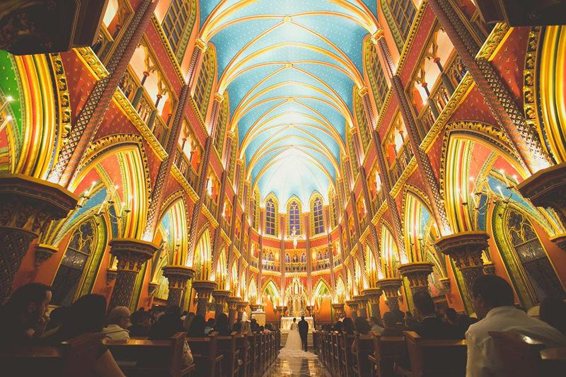 138-incriveis-fotos-de-casamento-que-parecem-obras-de-arte-casando-em-um-lugar-paradisiaco-arquitetura-casamento-na-igreja