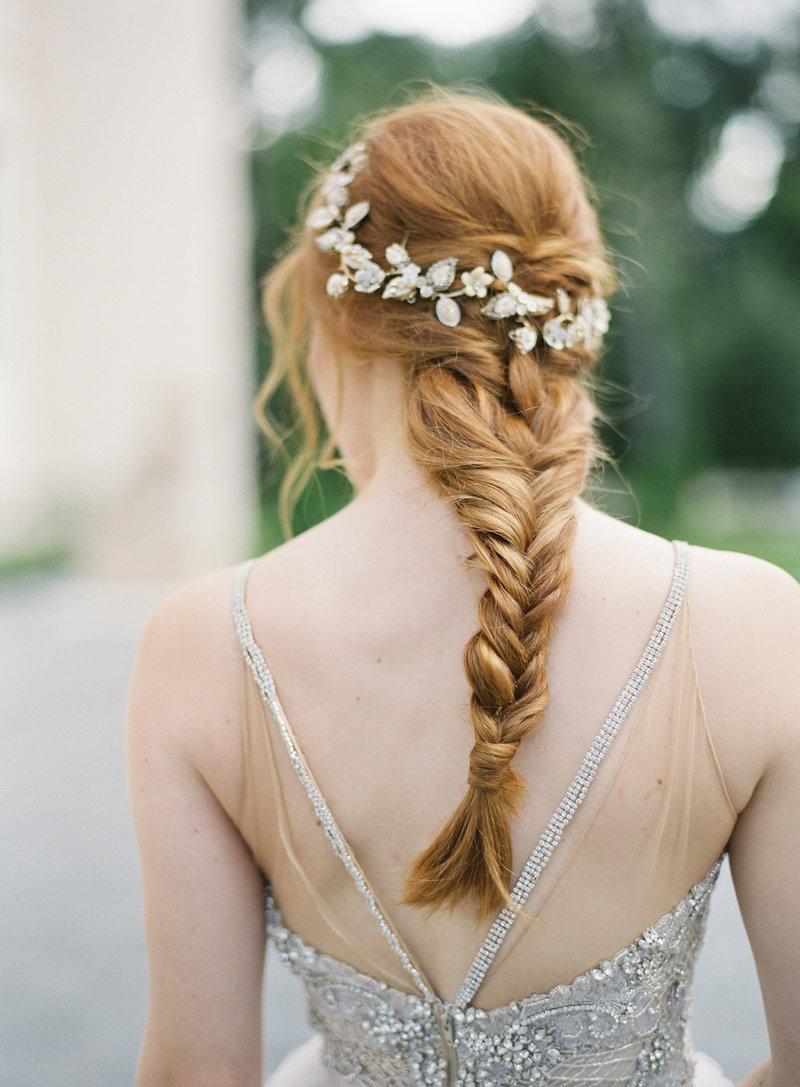 18-tranca-luxosa-para-noivas-com-cabelos-compridos