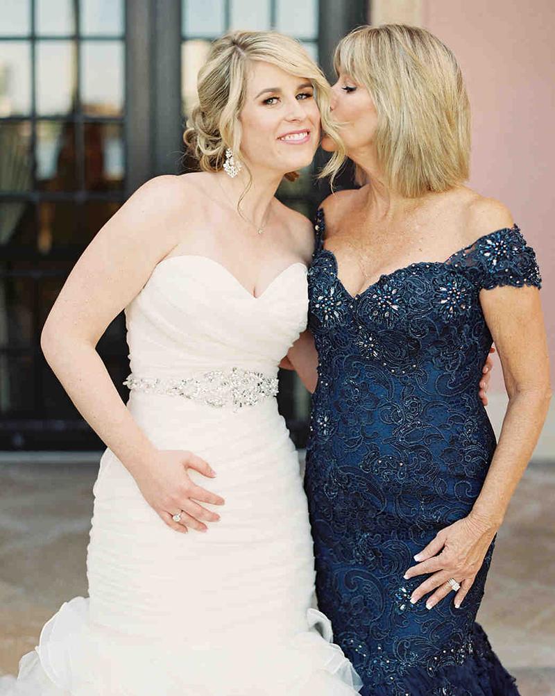 mae-da-noiva-o-que-vestir-dicas-cor-modelo-tecido-aluguel-compra-vestido-de-casamento-2