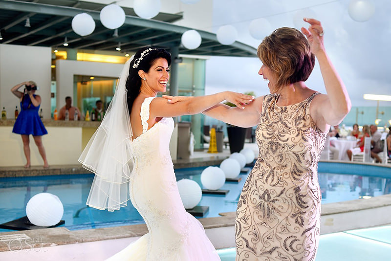 mae-da-noiva-o-que-vestir-dicas-cor-modelo-tecido-aluguel-compra-vestido-de-casamento-6