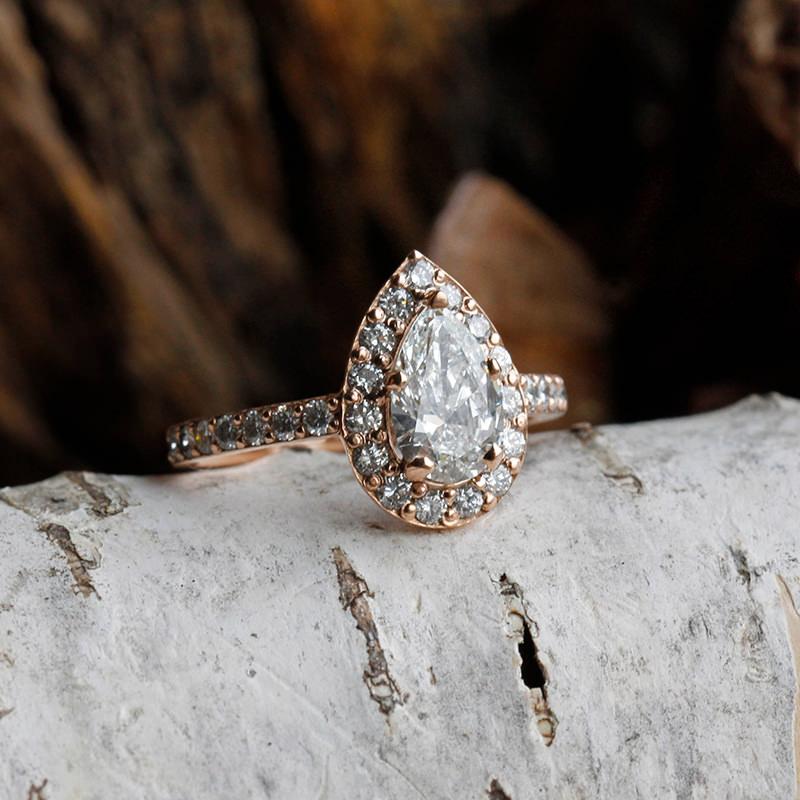 02-anel-de-noivado-diamante-gota