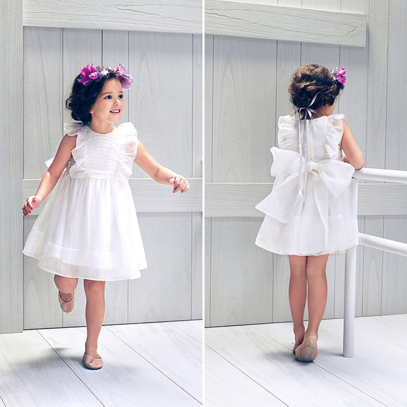 04-dama-de-honra-com-vestido-branco