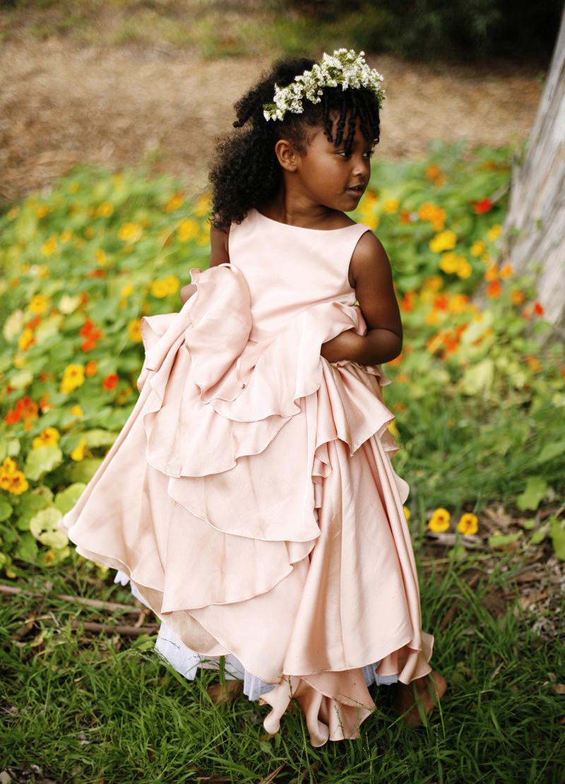 08-daminha-de-honra-com-vestido-rose
