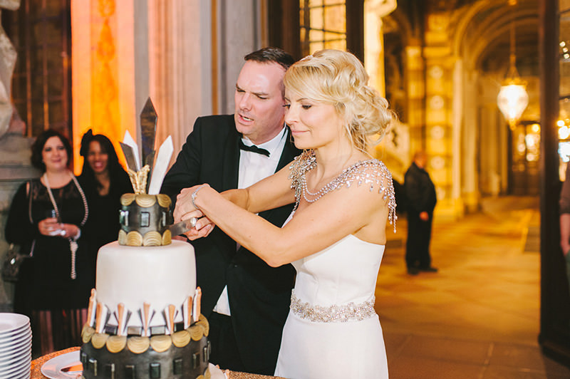 corte-do-bolo-casamento-momento-inesquecivel-para-os-noivos-34