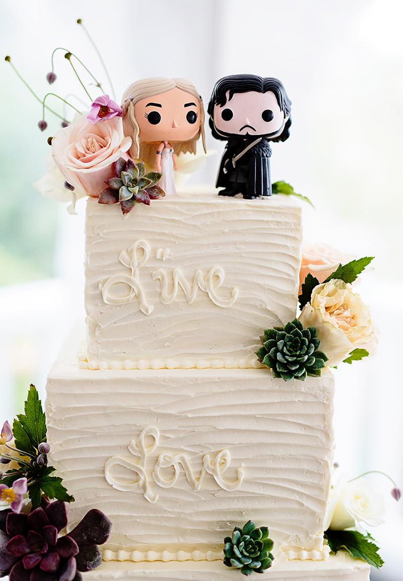 08-bolo-de-casamento-game-of-thrones-khaleesi-e-jon-snow