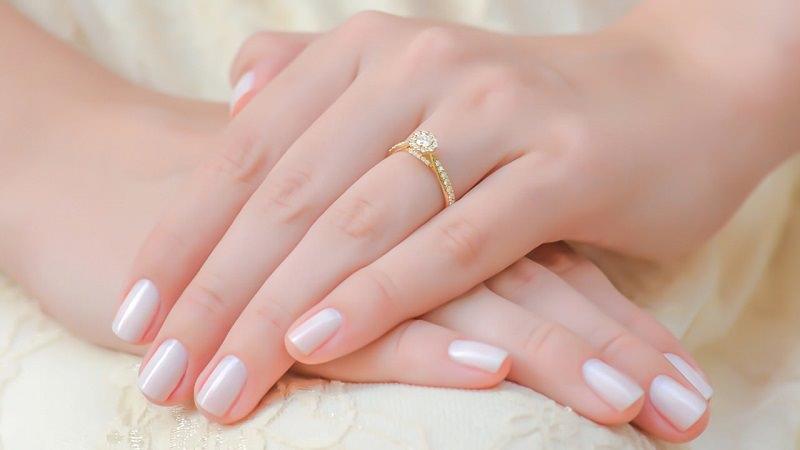anel_noivado_uni_amarelo-passo-a-passo-para-comprar-um-anel-de-noivado