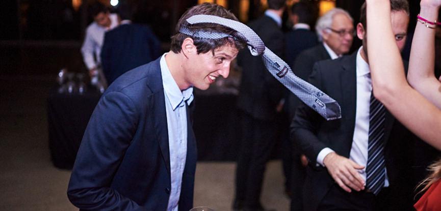 curiosidades-hora-de-cortar-a-gravata-do-noivo-1
