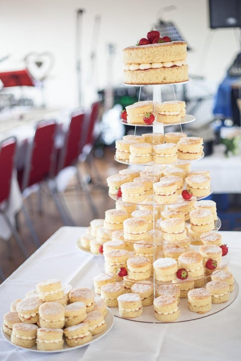 136 naked cake