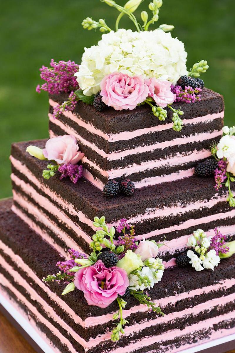 32 naked cake