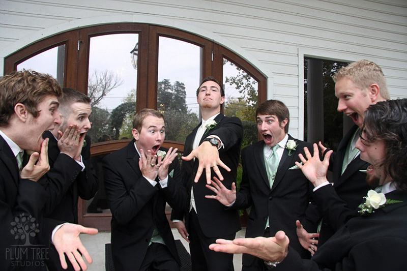 06-foto-noivo-casamento-padrinho-amigos-engraçado