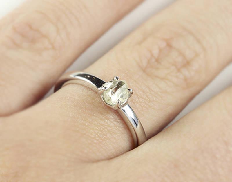 diamante-bruto-anel-de-noivado