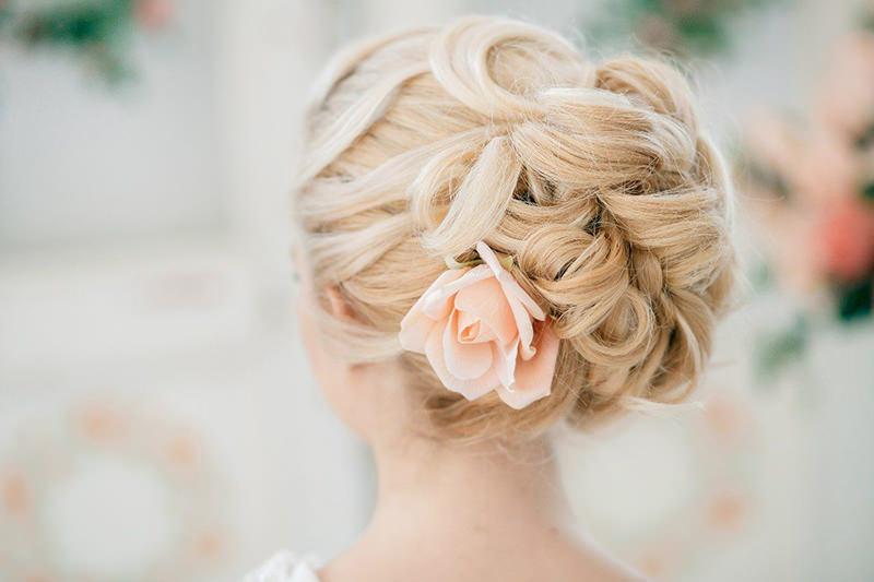 penteados-para-madrinha-de-casamento-coque-05