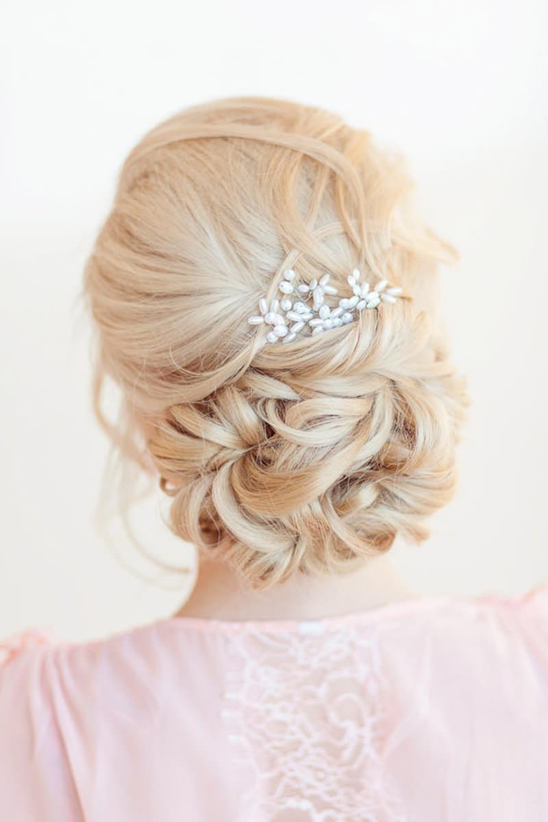 penteados-para-madrinha-de-casamento-coque-09