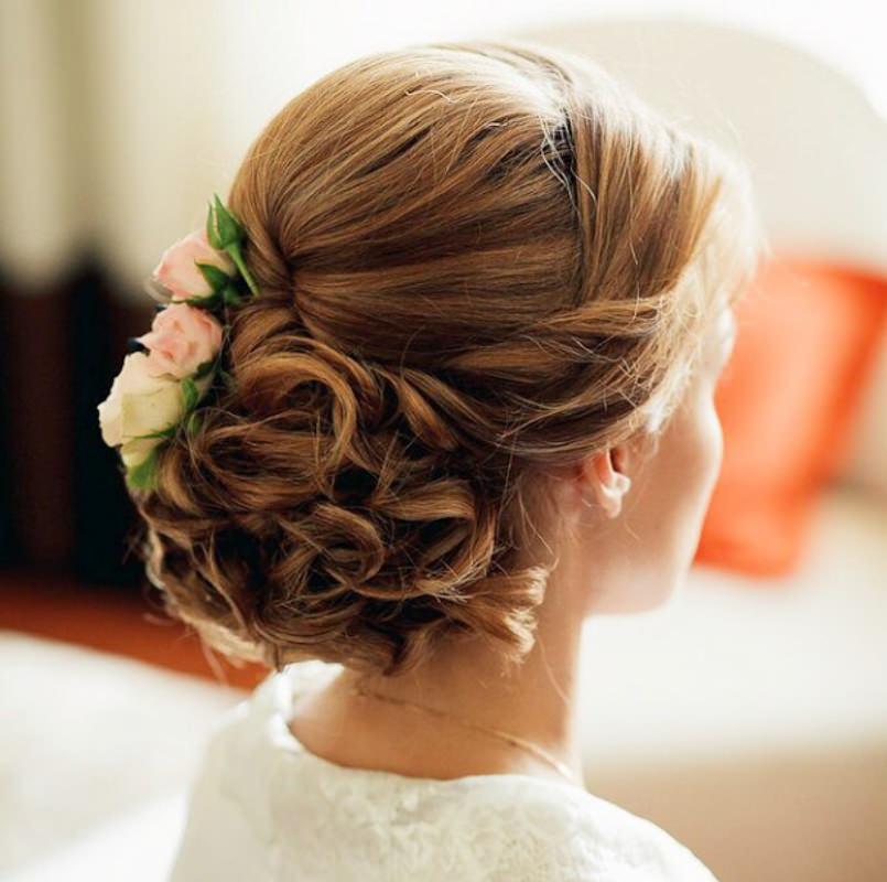 penteados-para-madrinha-de-casamento-coque-15