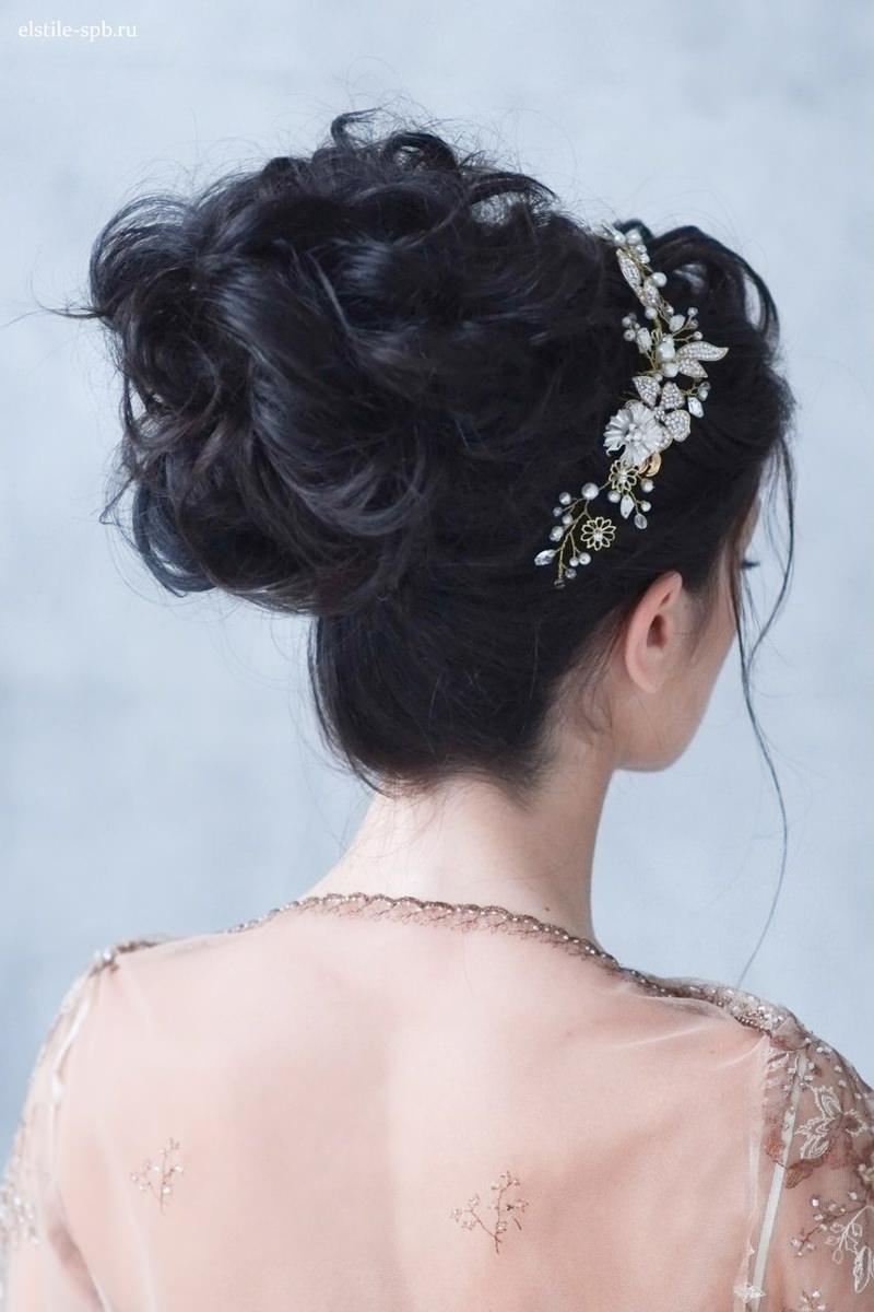 penteados-para-madrinha-de-casamento-coque-16