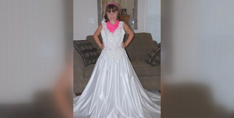 garota-vestido-de-noiva-mae-10-anos