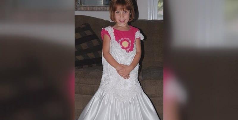 pequena-vestido-de-noiva-mae-5-anos