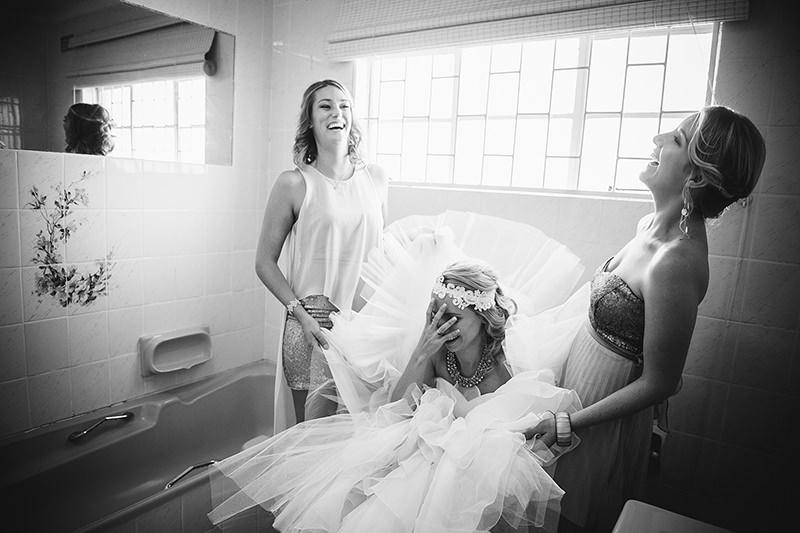 vestido-de-noiva-banheiro-dificuldade