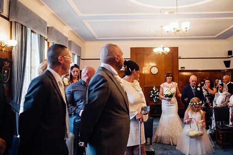 5-casamento-noiva-raspa-cabeça-homenagem-noivo