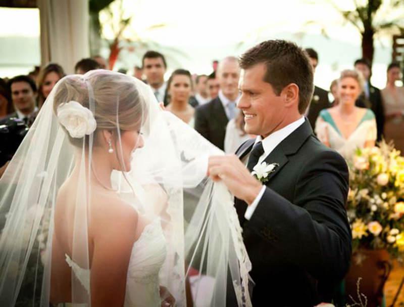 noiva-noivo-altar-casamento