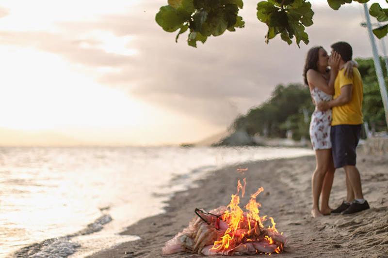 vestido-praia-trash-the-dress-casal-fogo-cinzas
