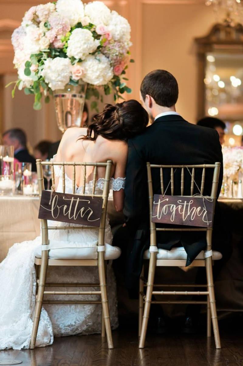 better-together-melhor-juntos-casamento-cadeira-noivos